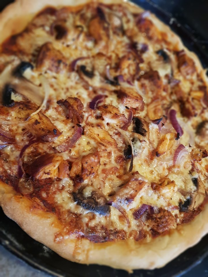 Quick Chicken and Mushroom Pizza