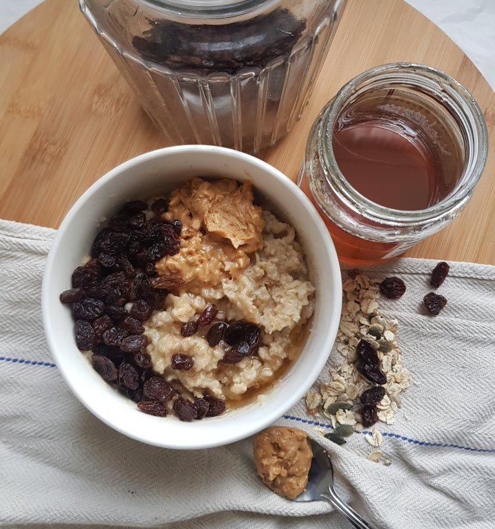 A Nutty Cinnamon and Raisin Oatmeal